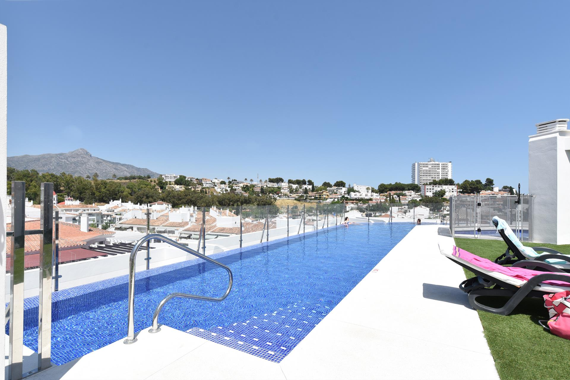 Albatros, Modern and luxury apartment in Marbella, Andalusia, Spain  with communal pool for 6 persons.....