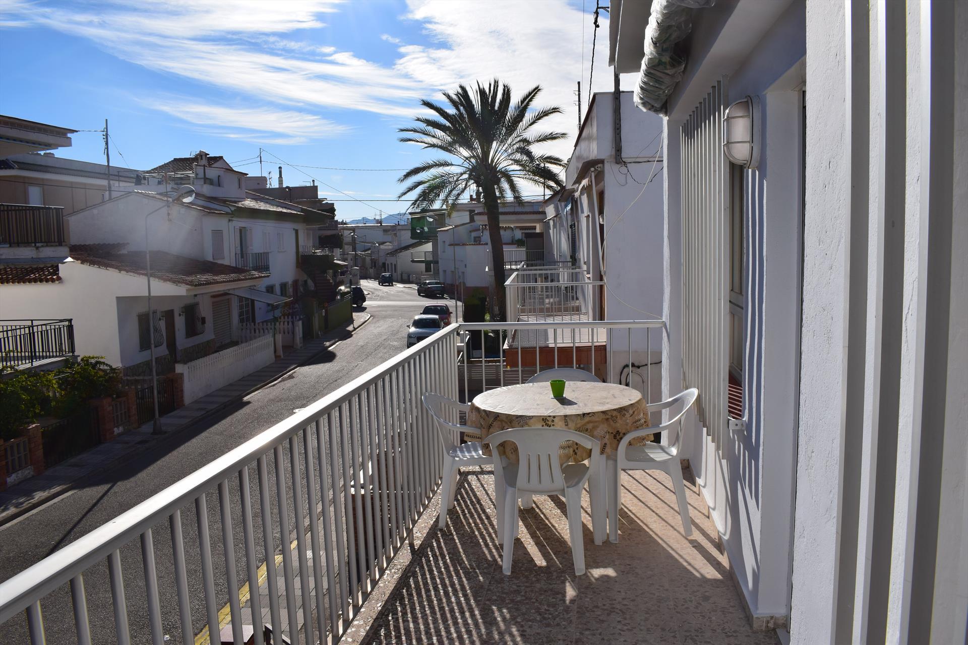 AP3151,Moderne und gemütliche Ferienwohnung in Oliva, an der Costa Blanca, Spanien für 6 Personen.....