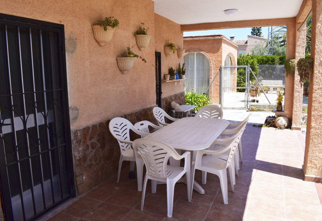 AP1470, Large and cheerful holiday house in Oliva, on the Costa Blanca, Spain for 8 persons.....