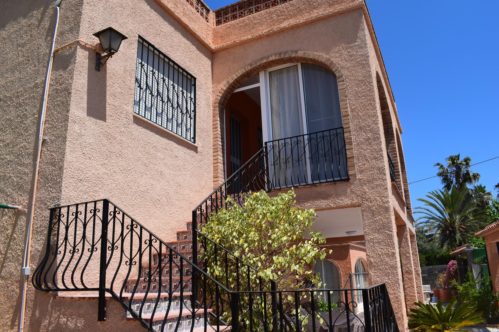 AP1471, Large and cheerful apartment in Oliva, on the Costa Blanca, Spain for 6 persons.....