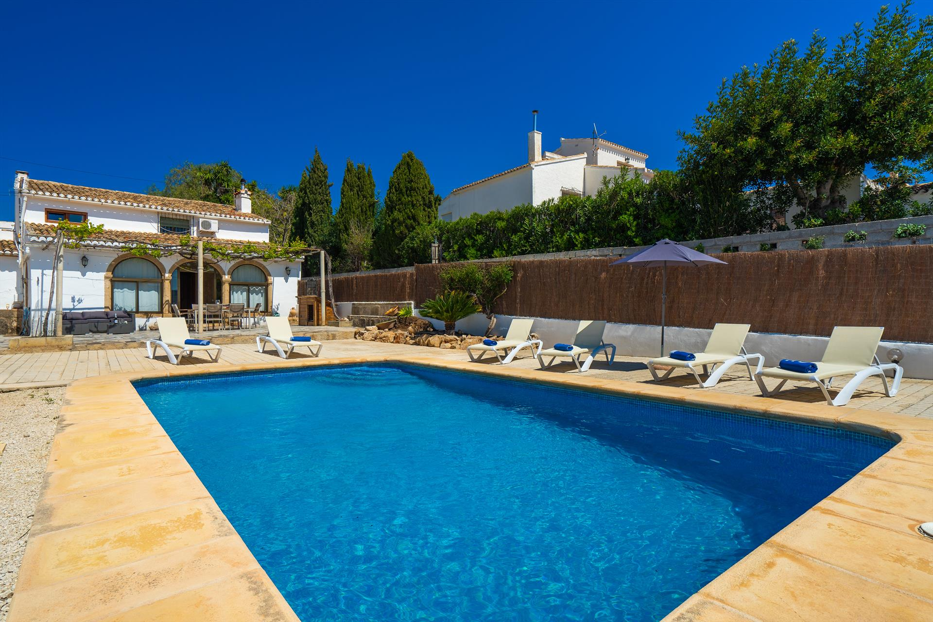 Medina, Classic and cheerful holiday home in Javea, on the Costa Blanca, Spain  with private pool for 6 persons...