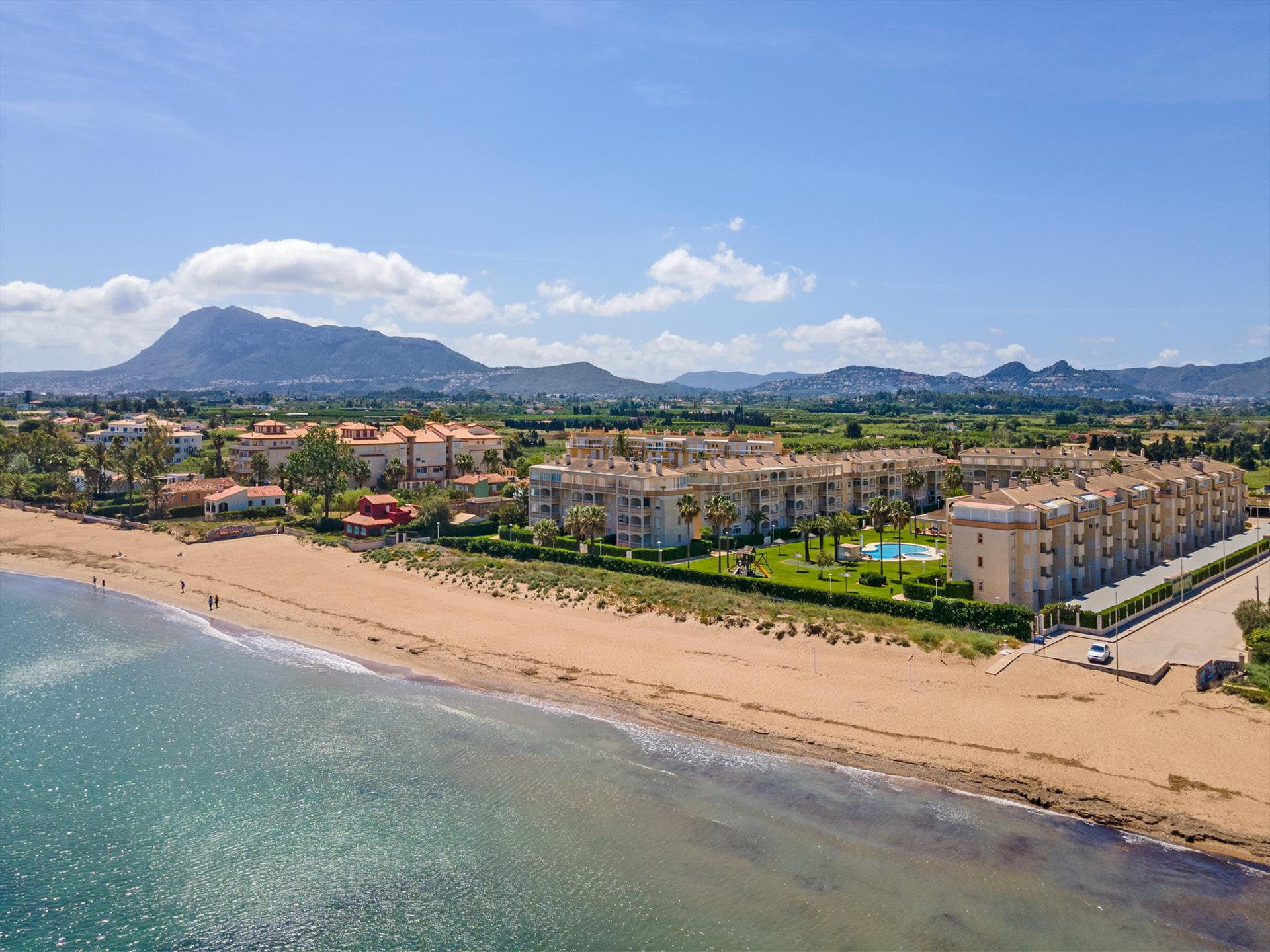 AP2112 Urb Bahia Denia vista al mar, Beautiful and cheerful apartment in Denia, on the Costa Blanca, Spain  with communal pool for 6 persons.....