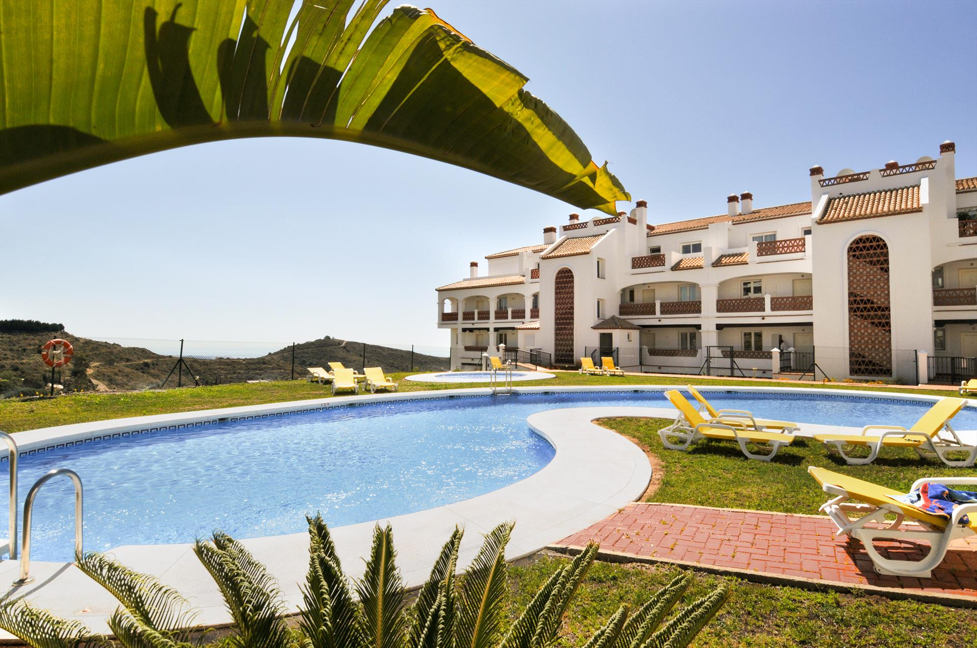 Las Palmeras 300, Beautiful and cheerful apartment in Mijas costa, Andalusia, Spain  with communal pool for 4 persons...