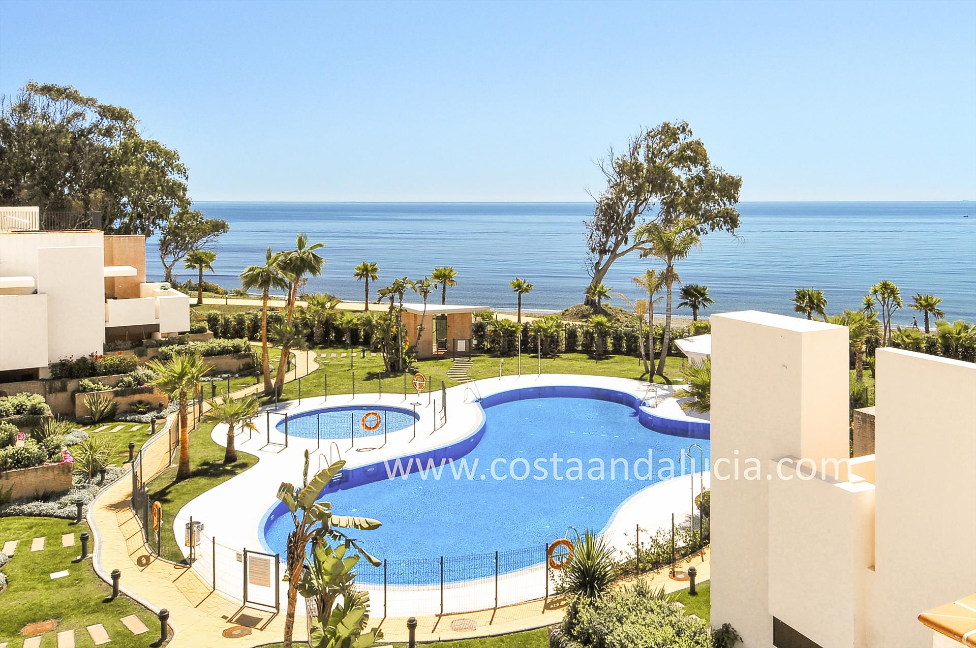 Bahia de la Plata, Wonderful and luxury apartment  with communal pool in Estepona, Andalusia, Spain for 4 persons.....