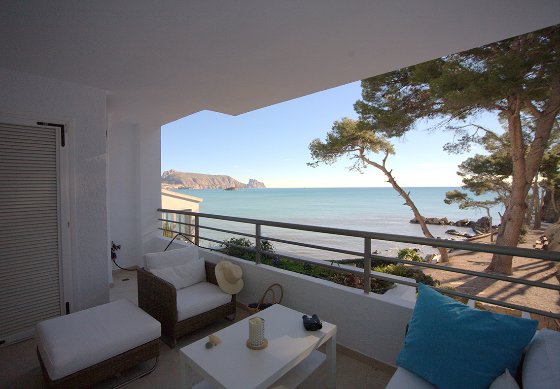 Altea Mediterraneo, Lovely and comfortable apartment  with communal pool in Altea, on the Costa Blanca, Spain for 4 persons.....
