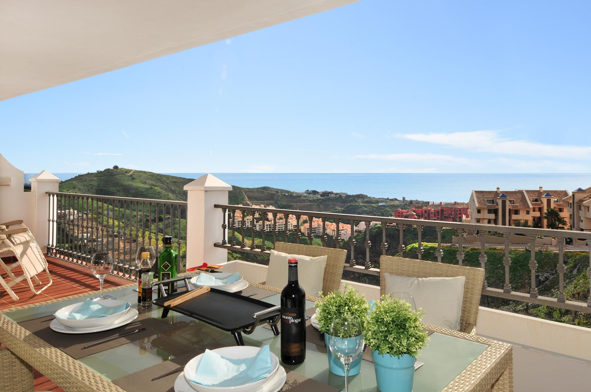 Las Palmeras 336,Beautiful and cheerful apartment in Mijas costa, Andalusia, Spain  with communal pool for 4 persons.....