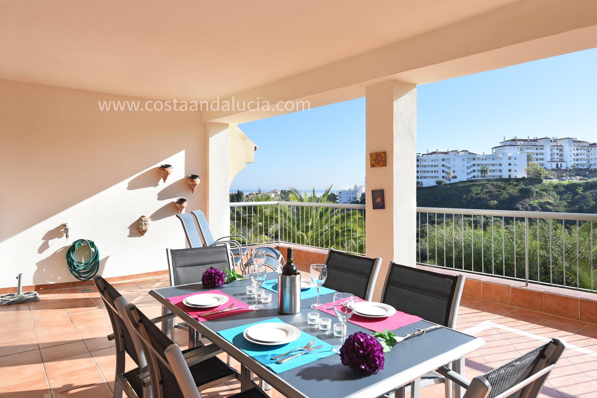Las Olas 469, Lovely and comfortable apartment  with communal pool in Mijas costa, Andalusia, Spain for 4 persons.....