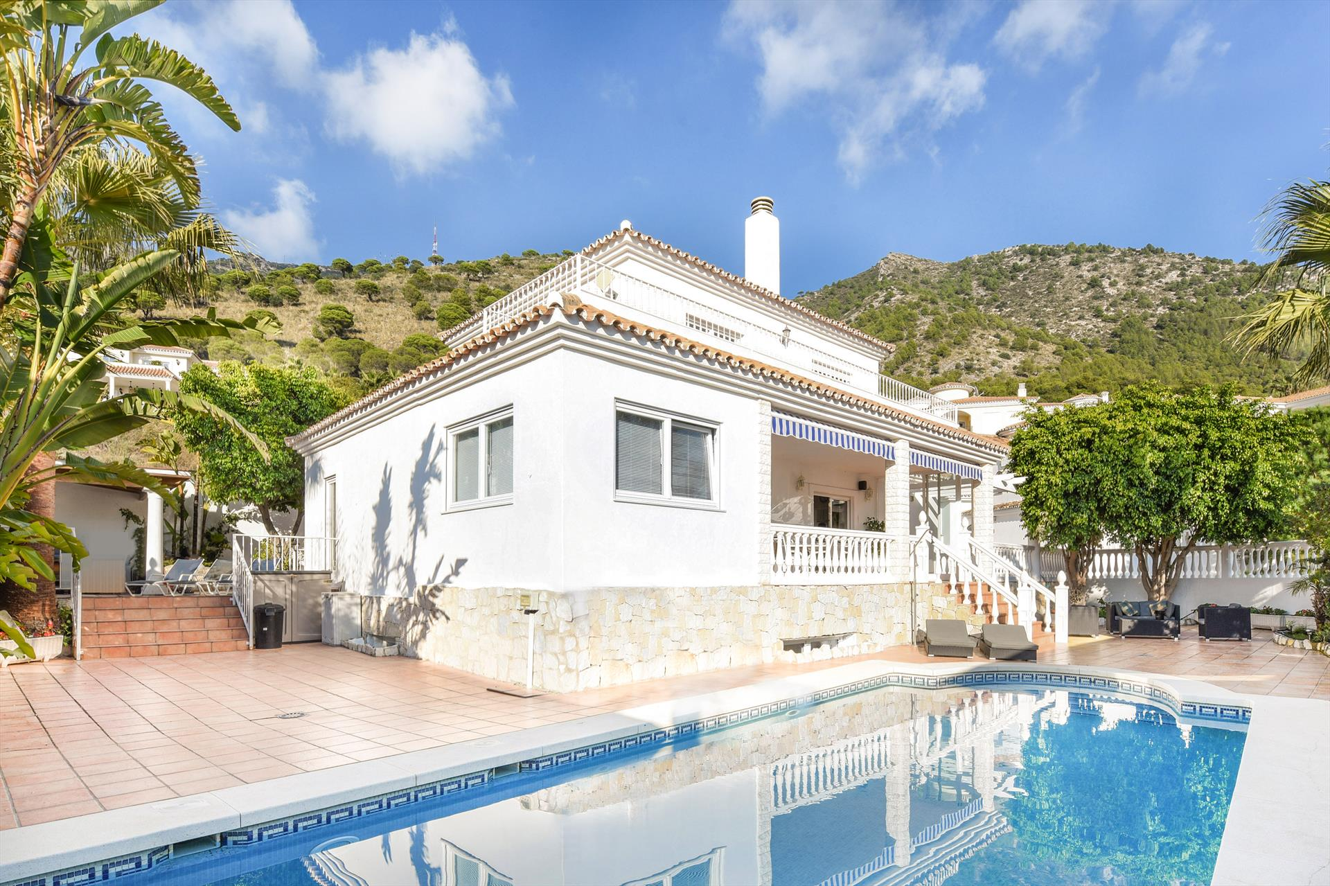 Casa Buena Vista, Large and comfortable villa in Mijas Costa, Malaga, Andalusia, Spain  with heated pool for 8 persons.....