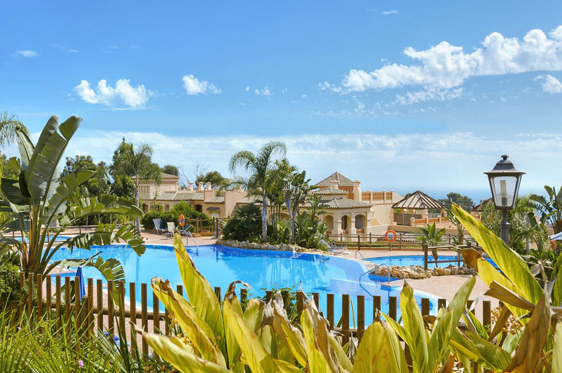 Mediterra 444, Wonderful and comfortable apartment in Benalmádena, Andalusia, Spain  with communal pool for 4 persons.....