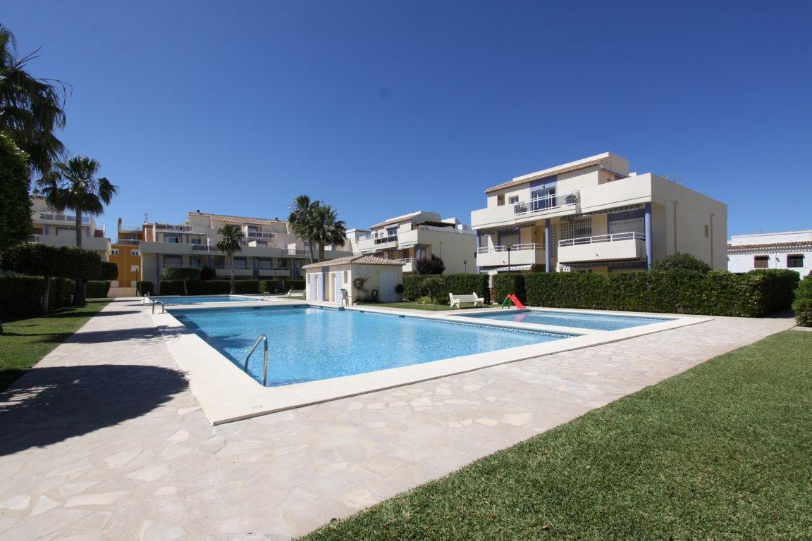 Jardines de denia iii apartamento,Mooi en comfortabel appartement  met gemeenschappelijk zwembad in Denia, aan de Costa Blanca, Spanje voor 4 personen...