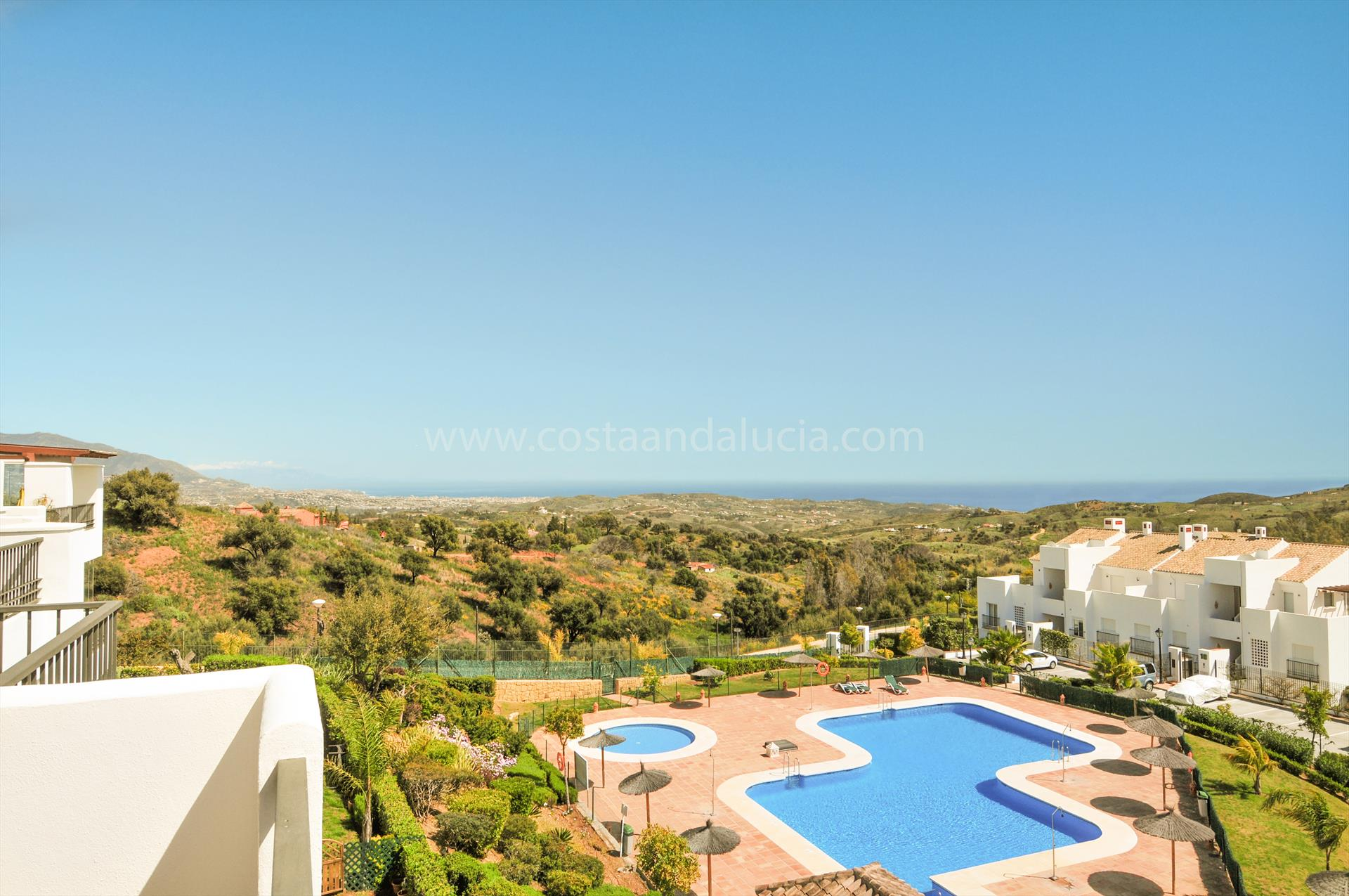 El Bosque Penthouse, Beautiful and comfortable apartment  with communal pool in Marbella, Andalusia, Spain for 6 persons.....