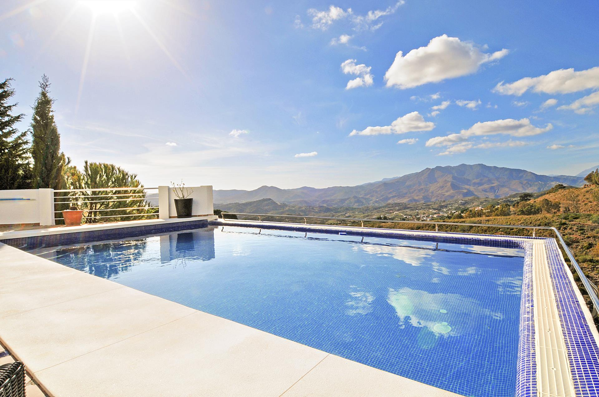 Casa Mimpi, Modern and  luxury villa  with heated pool in Mijas, Andalusia, Spain for 11 persons.....
