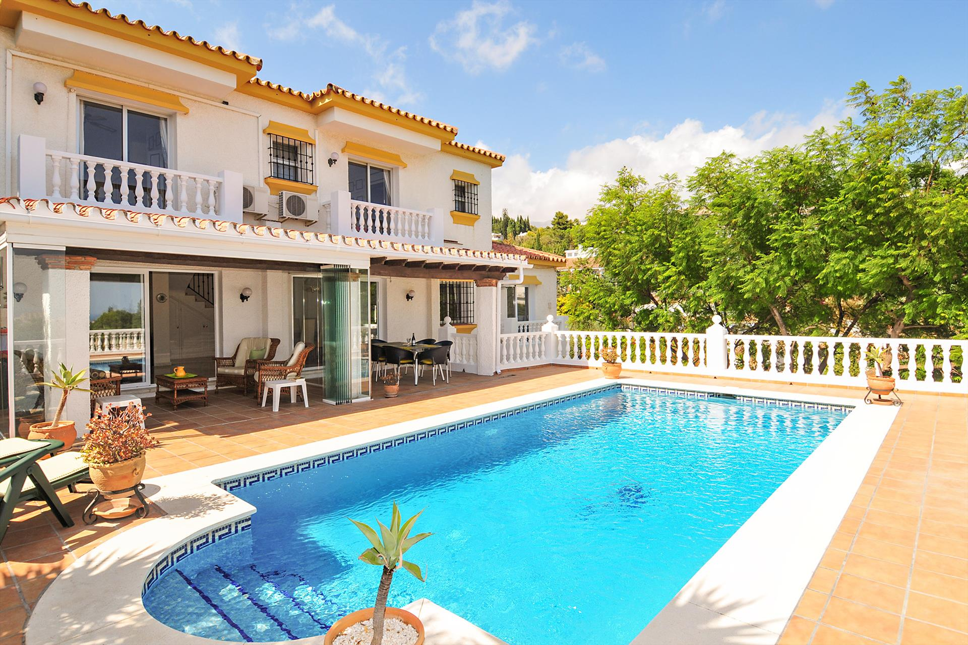 Casa Sierrezuela, Large and cheerful villa in Mijas costa, Andalusia, Spain  with private pool for 6 persons.....