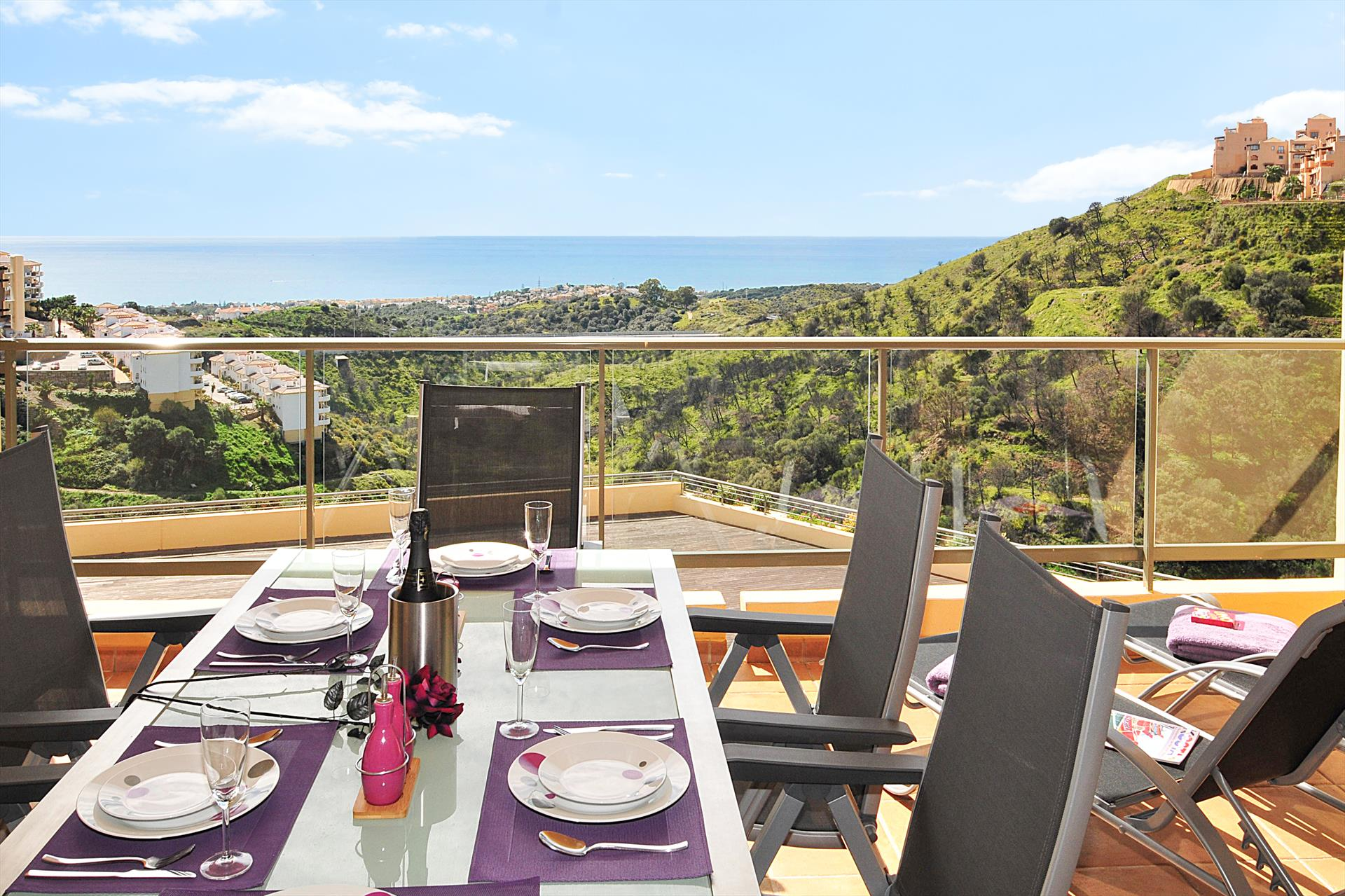 Campos del Mar 341, Beautiful and comfortable apartment in Mijas costa, Andalusia, Spain  with communal pool for 6 persons.....