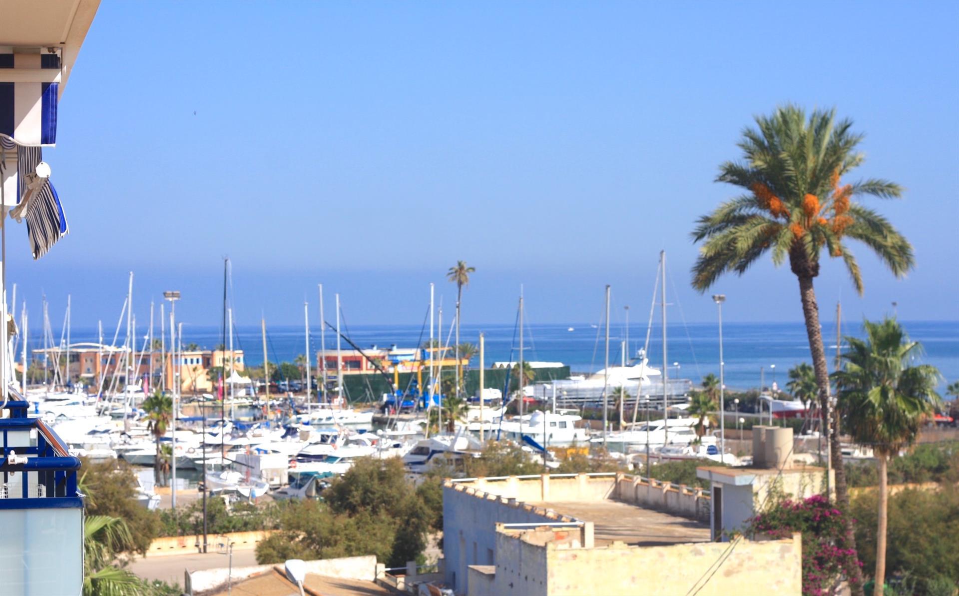 Sueños de mar apartamento,Modern en comfortabel appartement  met gemeenschappelijk zwembad in Denia, aan de Costa Blanca, Spanje voor 4 personen...