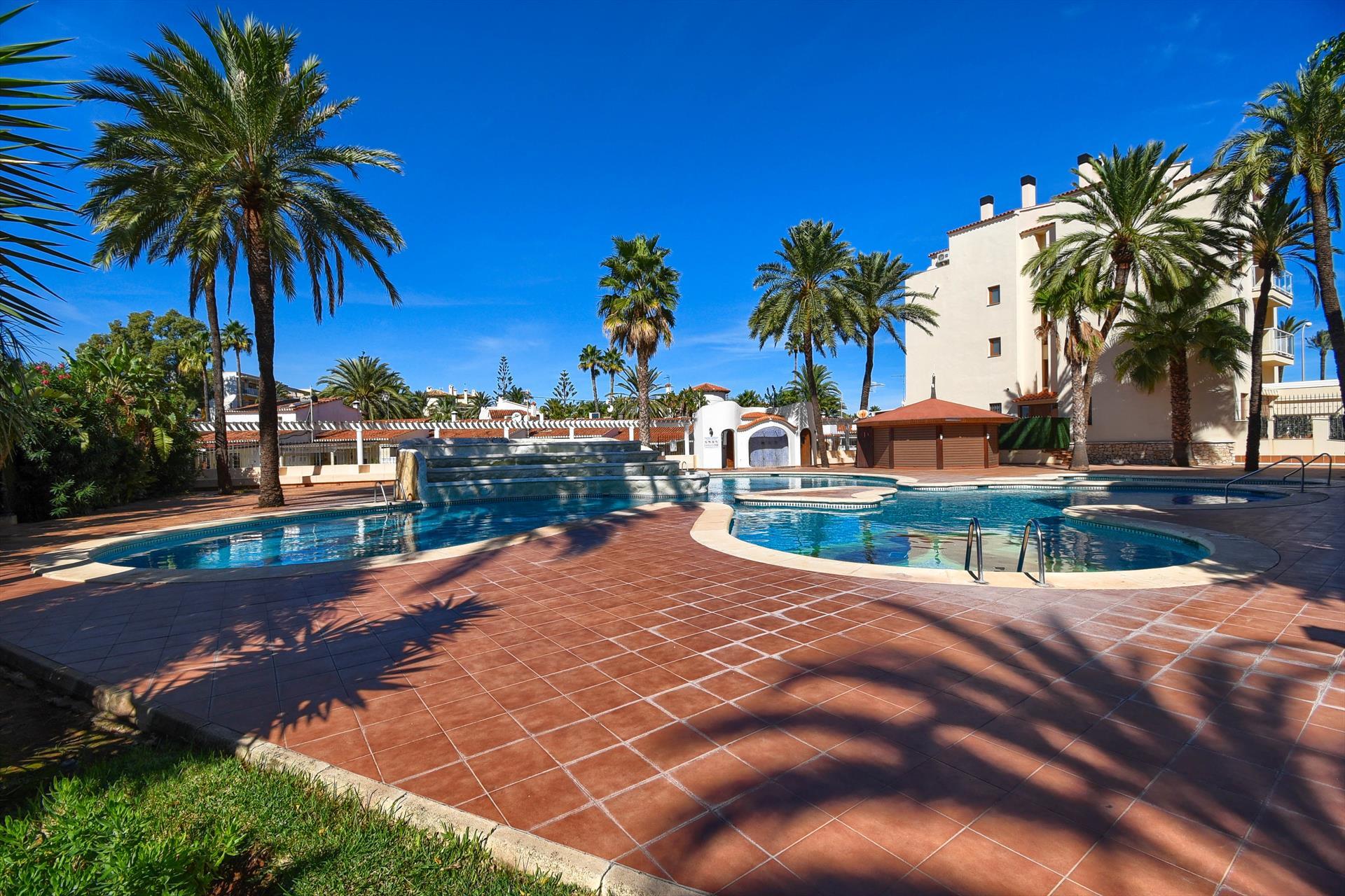 El retiro casa,Woning  met gemeenschappelijk zwembad in Denia, aan de Costa Blanca, Spanje voor 4 personen...