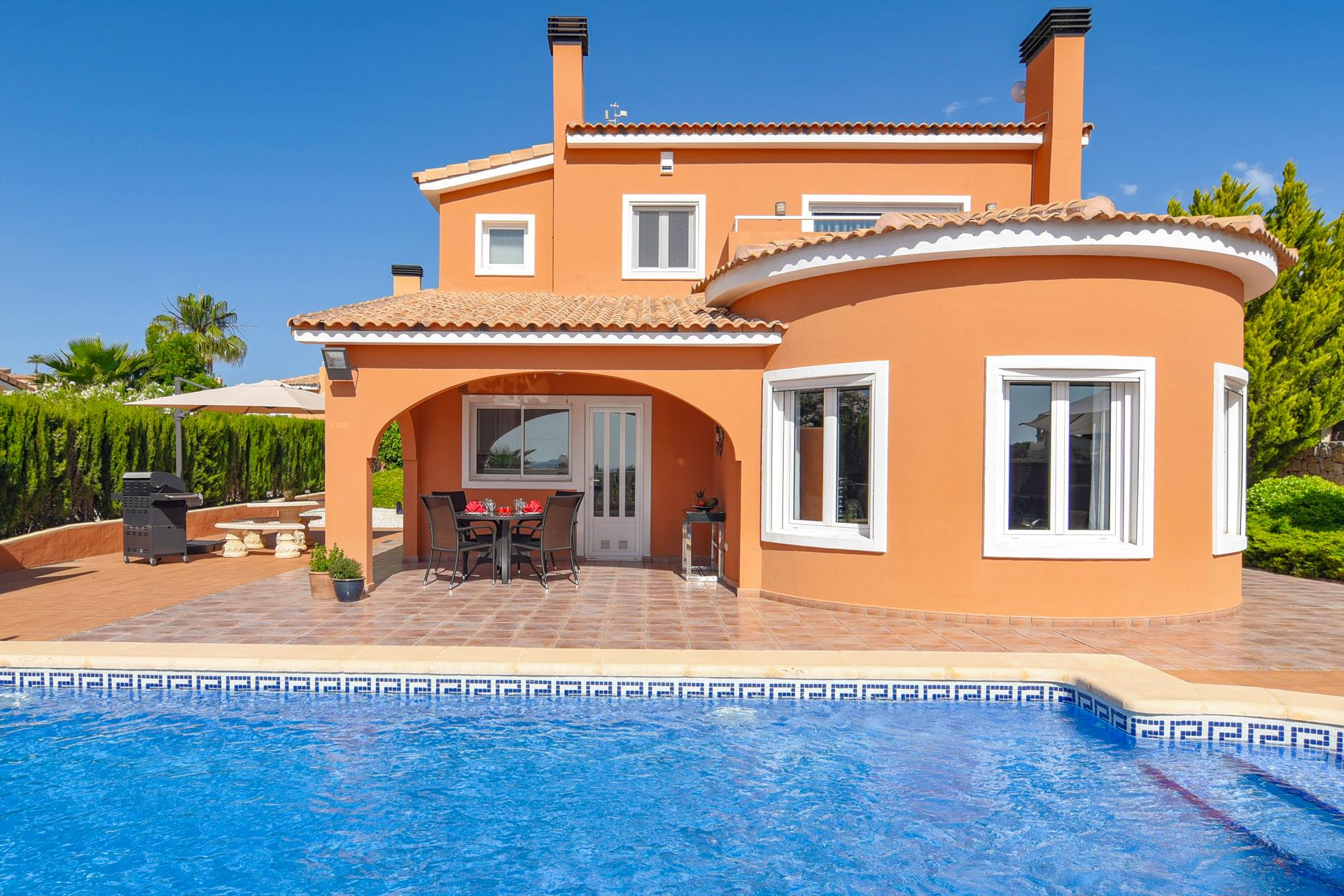 Panoramic, Beautiful and comfortable villa  with private pool in Gata De Gorgos, on the Costa Blanca, Spain for 6 persons...