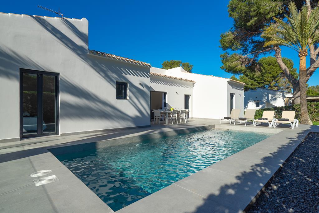 Marita 4 pax,Mooi en comfortabel vakantiehuis  met privé zwembad in Javea, aan de Costa Blanca, Spanje voor 4 personen...