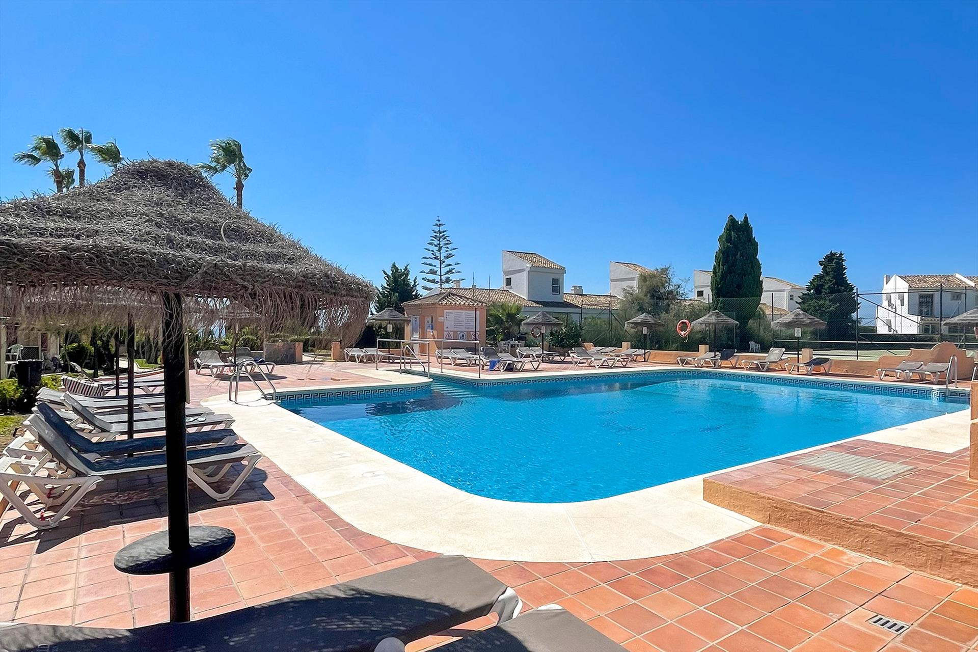 Marina Dorada, Beautiful and comfortable apartment in Fuengirola, Andalusia, Spain  with communal pool for 6 persons.....