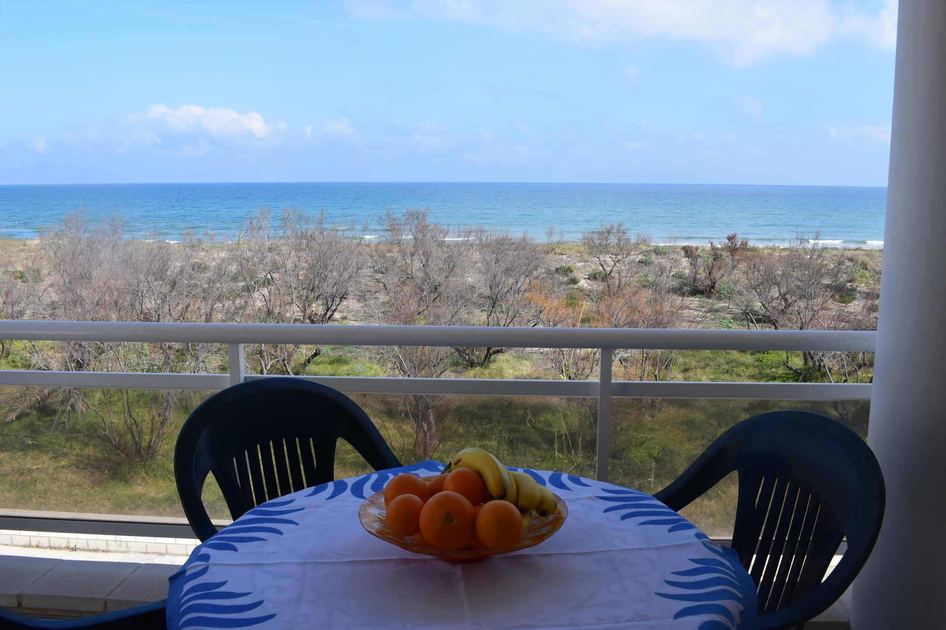 AP2924  Playa Aigua Blanca  Argelers, Wonderful and luxury apartment in Oliva, on the Costa Blanca, Spain for 3 persons.....
