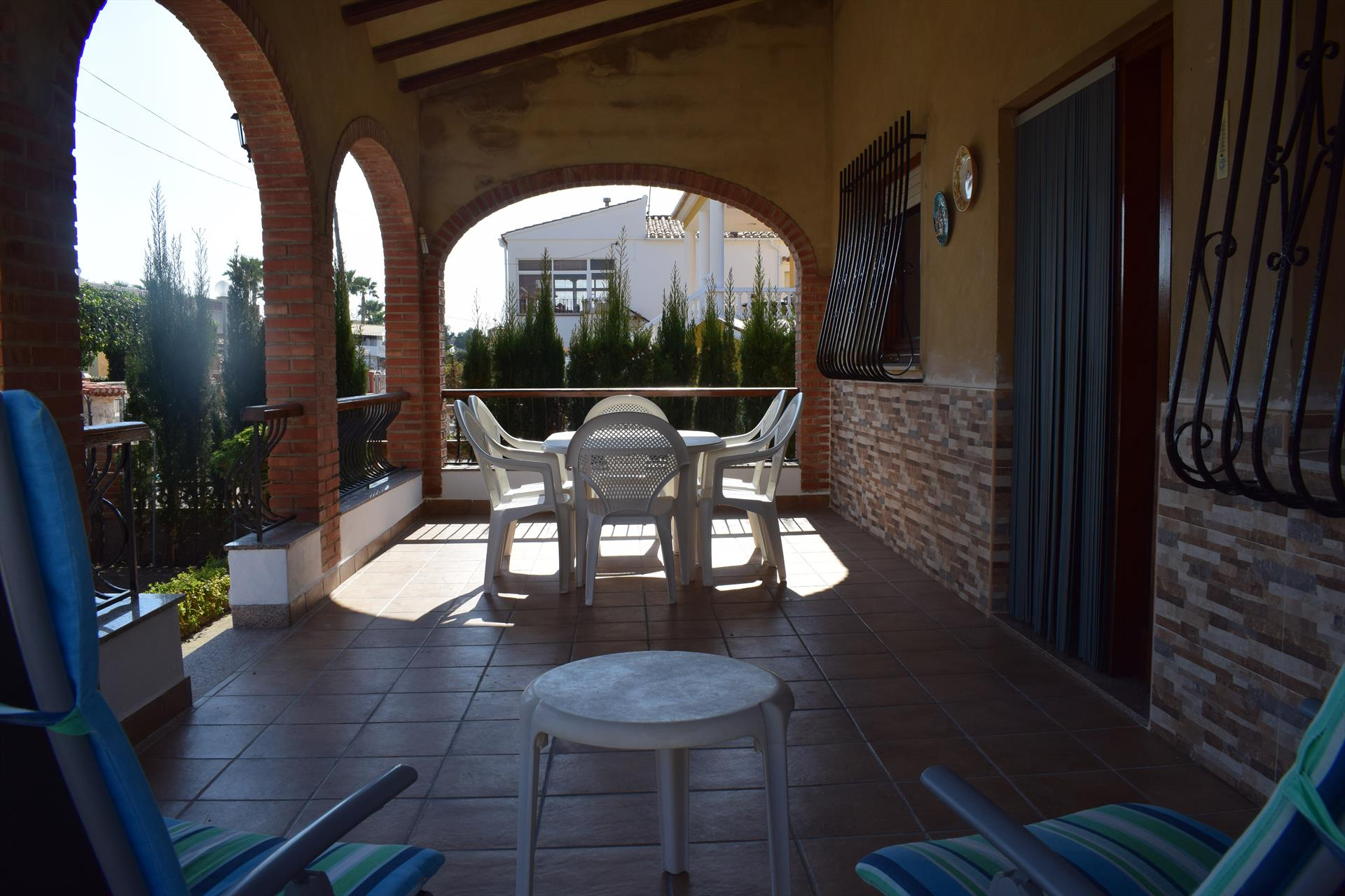 CH315, Lovely and nice holiday house in Oliva, on the Costa Blanca, Spain for 7 persons.....