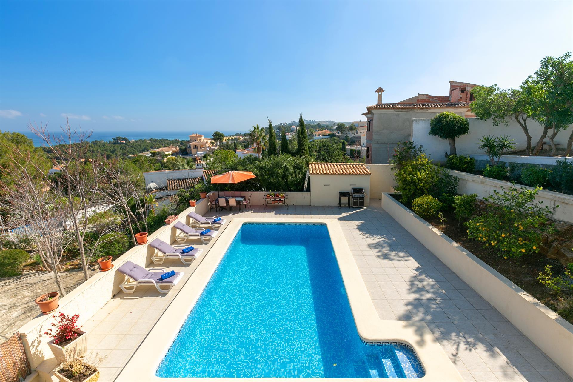 Villa Lotus,Современнкая, комфортабельная вилла  с частным бассейном  на 8 человек в Дении, нa Коста Бланкe, в Испании...