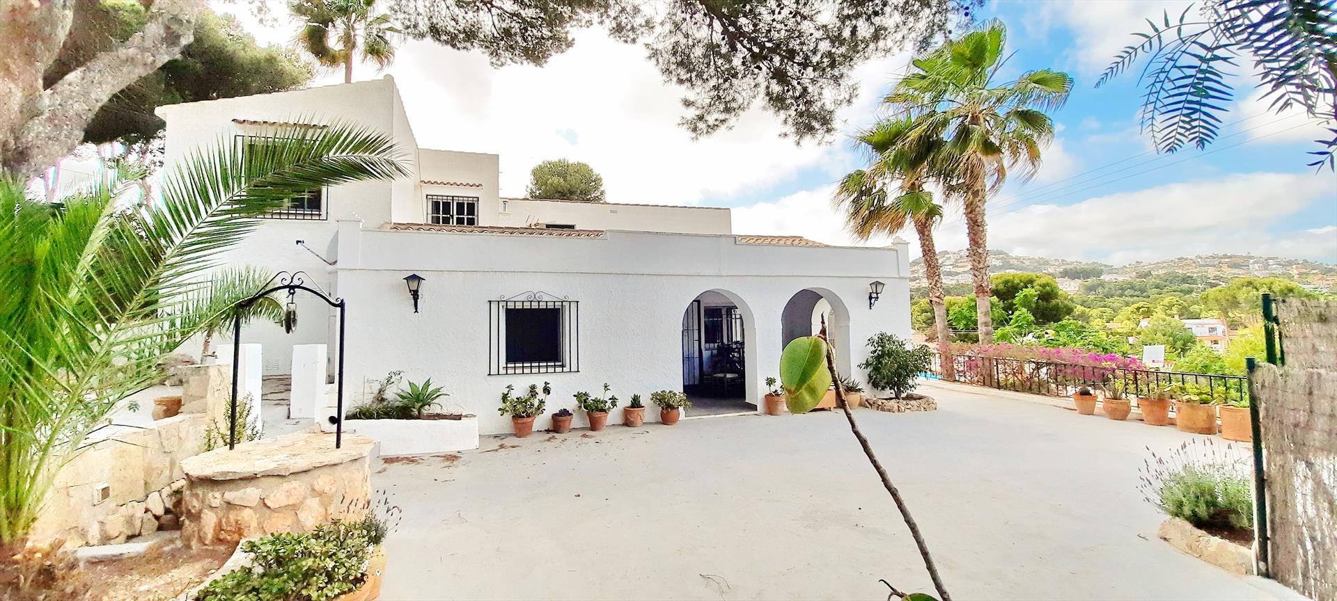 Villa Mamounia Solidays Moraira,Wunderschöne und gemütliche Villa  mit privatem Pool in Moraira, an der Costa Blanca, Spanien für 8 Personen.....
