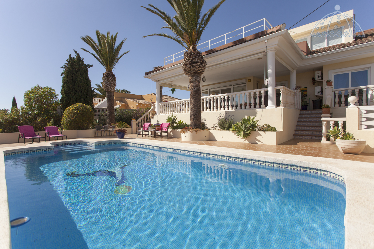 Bella Vida Alfaz, Classic and comfortable villa  with private pool in Alfaz Del Pi, on the Costa Blanca, Spain for 6 persons.....