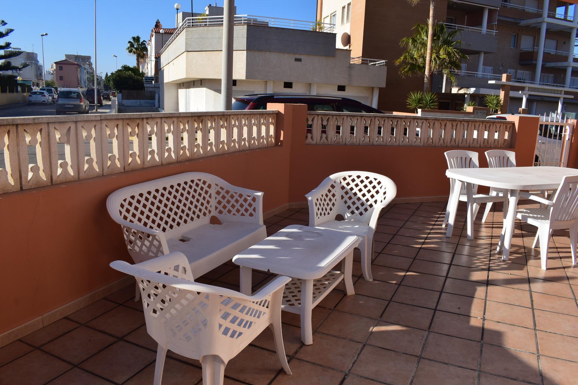 AP5111, Beautiful and cheerful apartment in Oliva, on the Costa Blanca, Spain for 4 persons.....