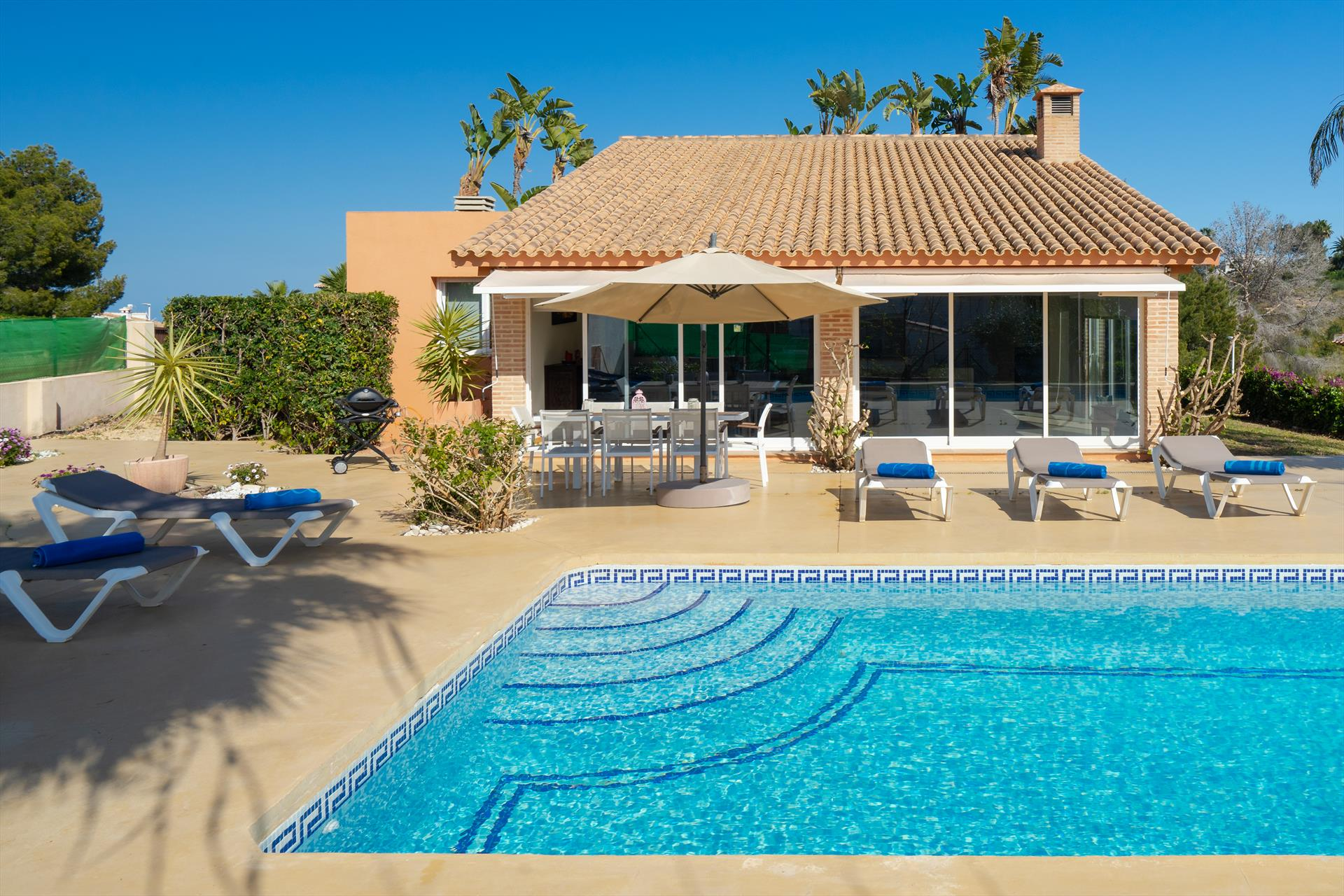 Ariel, Large and comfortable villa  with private pool in Javea, on the Costa Blanca, Spain for 6 persons...
