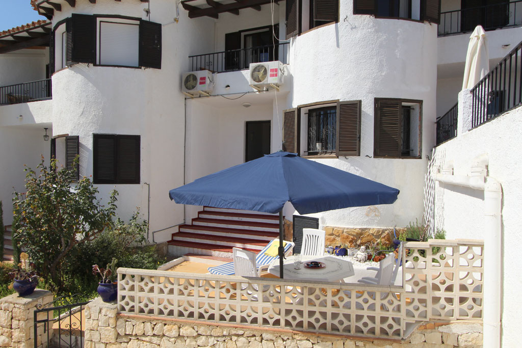 Bungalow Algas, Rustic and nice house  with communal pool in Moraira, on the Costa Blanca, Spain for 6 persons.....