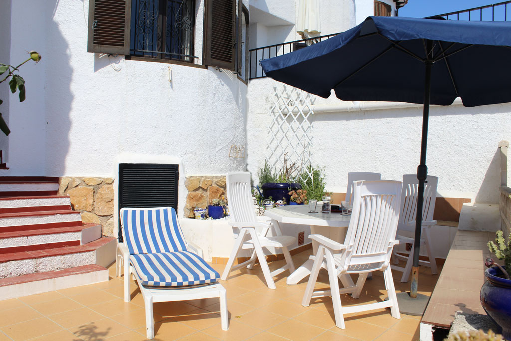 Bungalow Algas LT, Rustic and nice holiday house in Moraira, on the Costa Blanca, Spain  with communal pool for 6 persons.....
