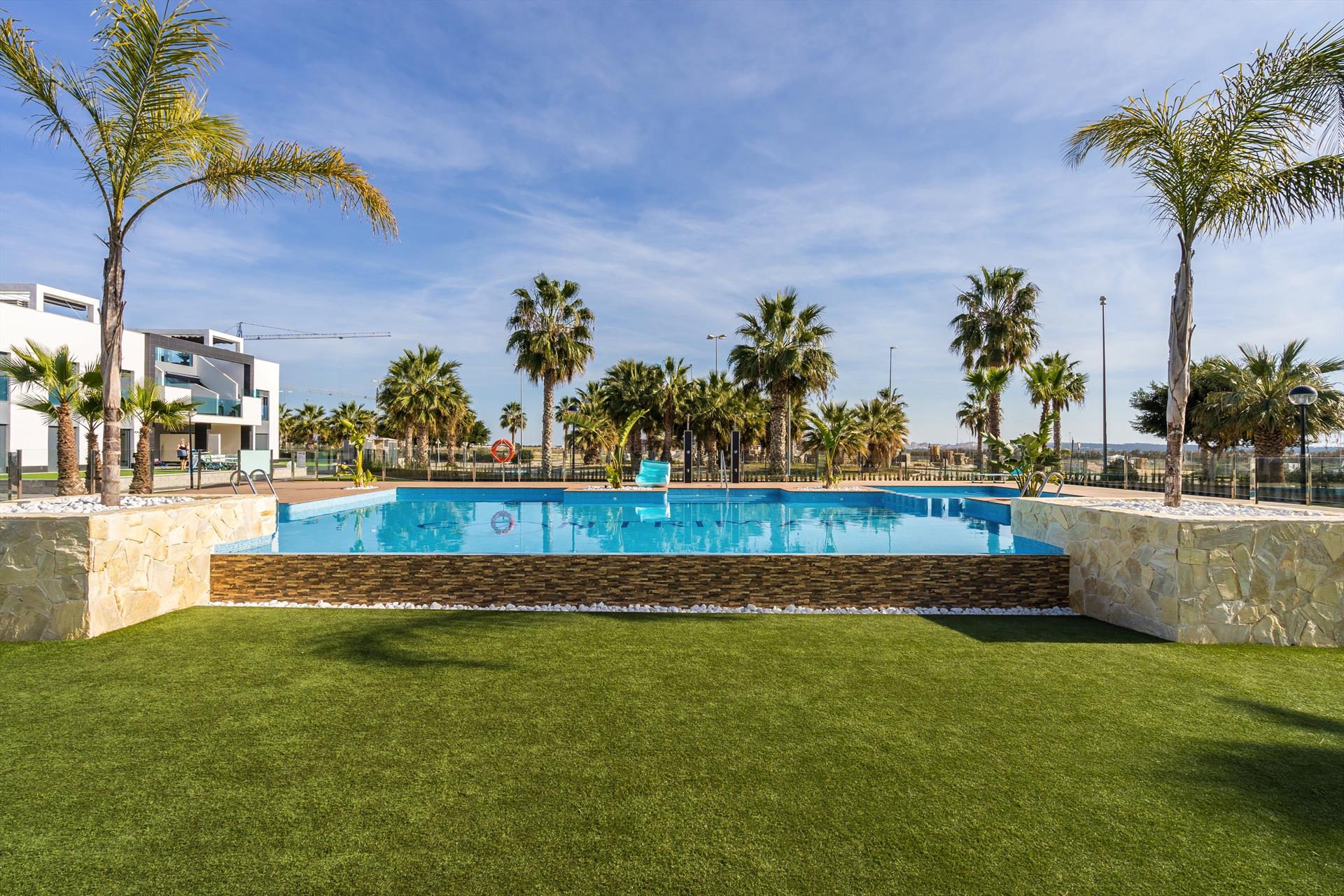 Tossals, Beautiful and comfortable apartment in Guardamar, on the Costa Blanca, Spain  with communal pool for 6 persons.....
