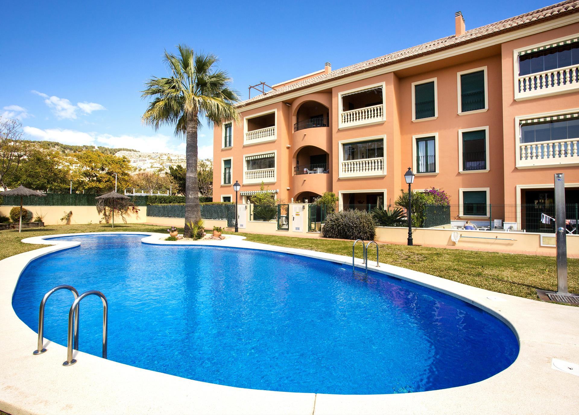 Jardines del Rio, Lovely and comfortable apartment in Javea, on the Costa Blanca, Spain  with communal pool for 4 persons...