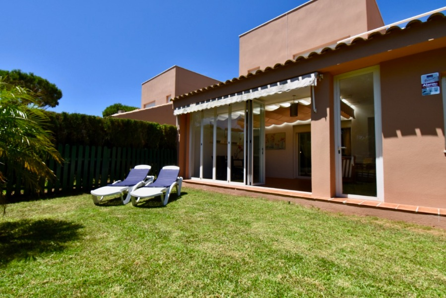 Trébol, House  with communal pool in Chiclana de la Frontera, Andalusia, Spain for 5 persons.....