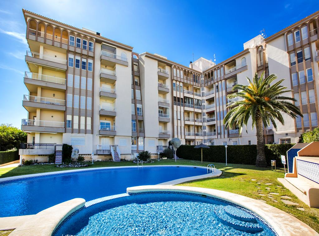 Arenal 80, Beautiful and comfortable apartment  with communal pool in Javea, on the Costa Blanca, Spain for 5 persons.....