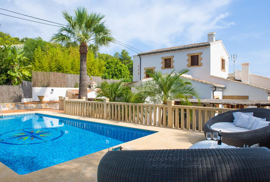 Media Luna, Large and nice holiday home in Javea, on the Costa Blanca, Spain  with private pool for 8 persons.....
