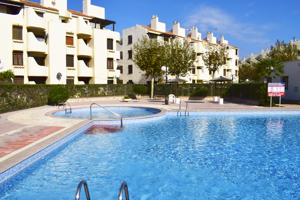 AP2131 Fantástico apartamento a 150m de la Playa, Wonderful and cheerful apartment in Denia, on the Costa Blanca, Spain  with communal pool for 5 persons.....