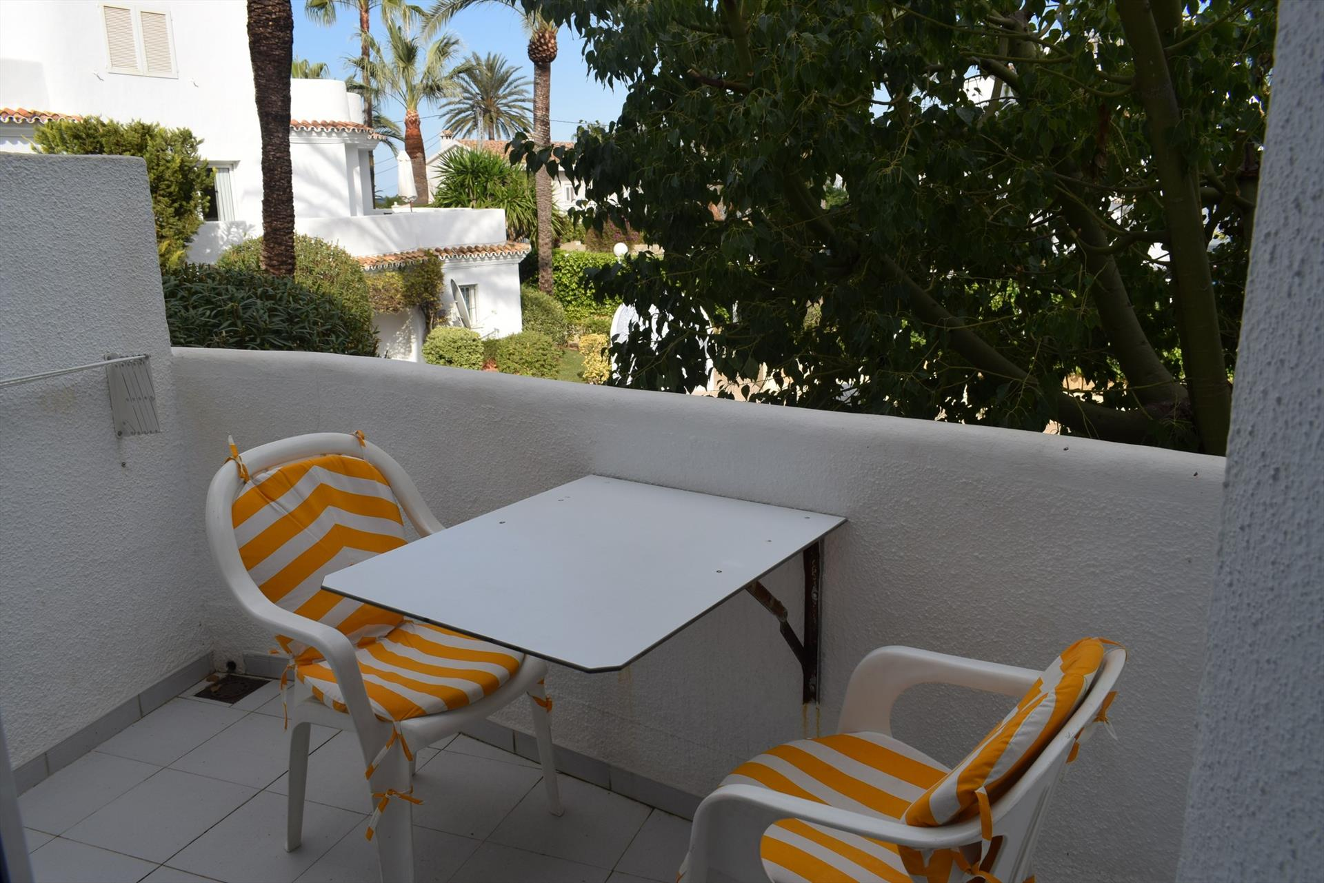 AP1107 Cerca del Centro y de la Playa La Marineta, Beautiful and cheerful apartment in Denia, on the Costa Blanca, Spain  with communal pool for 4 persons.....