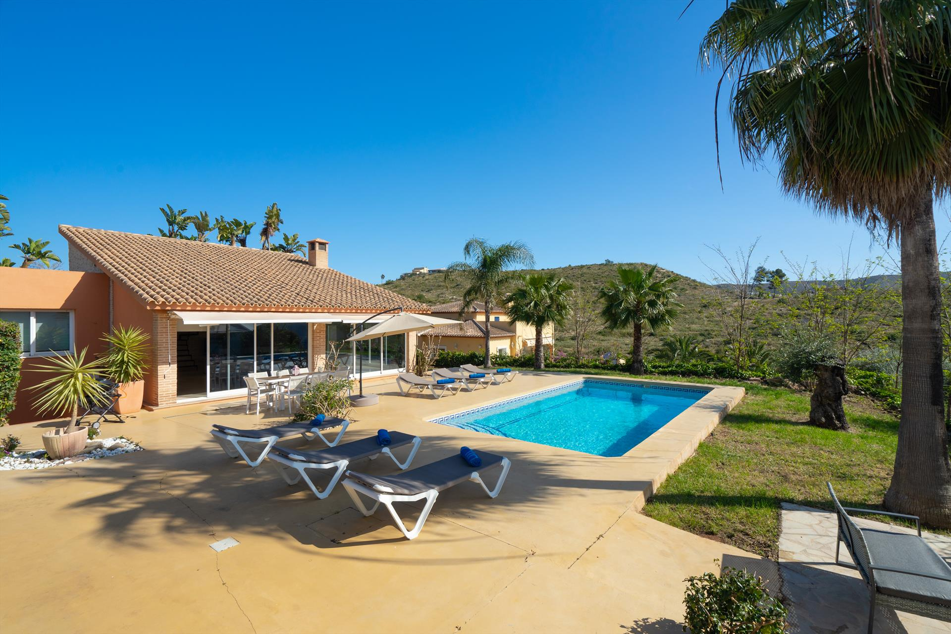 Ariel 4 pax, Large and comfortable villa in Javea, on the Costa Blanca, Spain  with private pool for 4 persons...