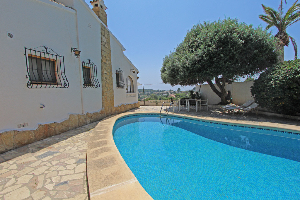 Villa Oliva 6, Beautiful and comfortable villa in Moraira, on the Costa Blanca, Spain  with private pool for 6 persons.....