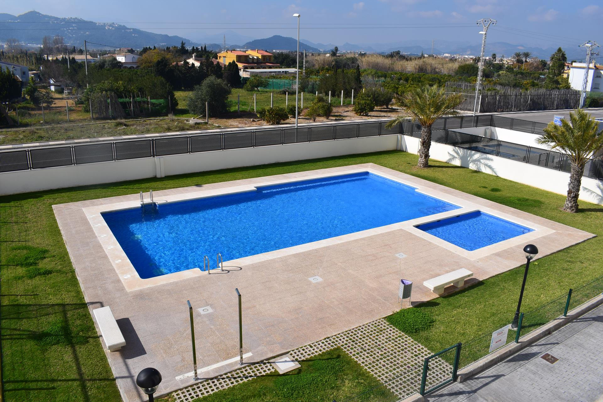 AP2142 Apartamento Migjorn Playa Burguera, Modern and cheerful apartment in Oliva, on the Costa Blanca, Spain  with communal pool for 5 persons.....