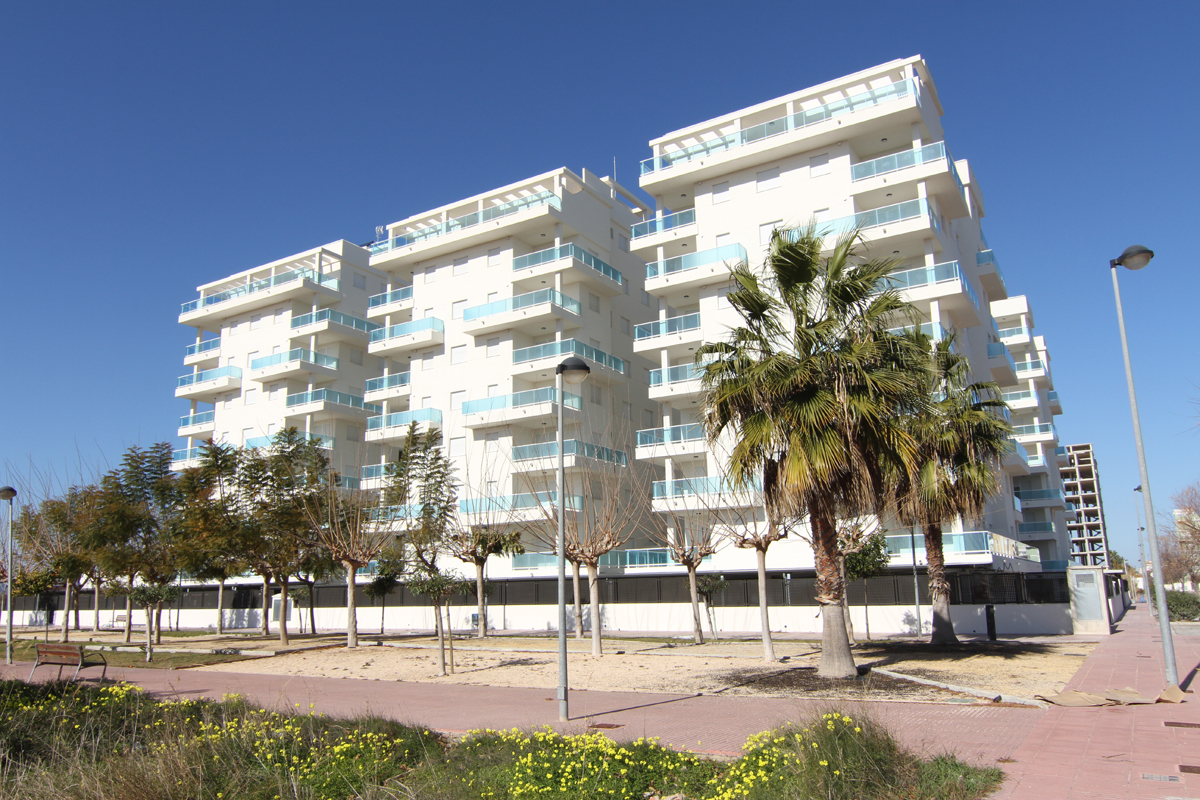 AP712, Beautiful and cheerful apartment in Piles, on the Costa Blanca, Spain  with communal pool for 6 persons.....
