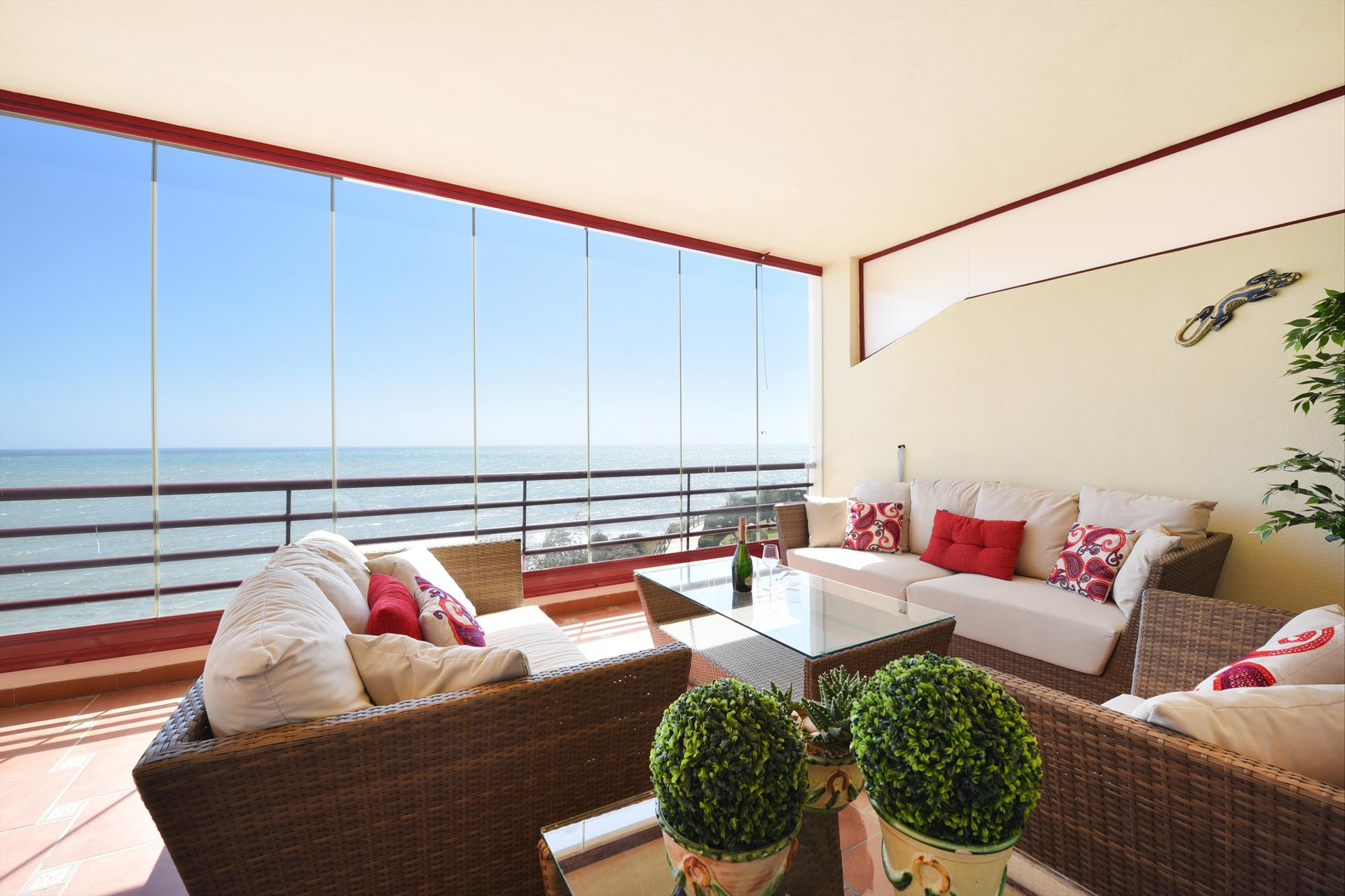 Puerta Del Mar, Wonderful and cheerful apartment in Benalmádena, Andalusia, Spain  with communal pool for 4 persons.....