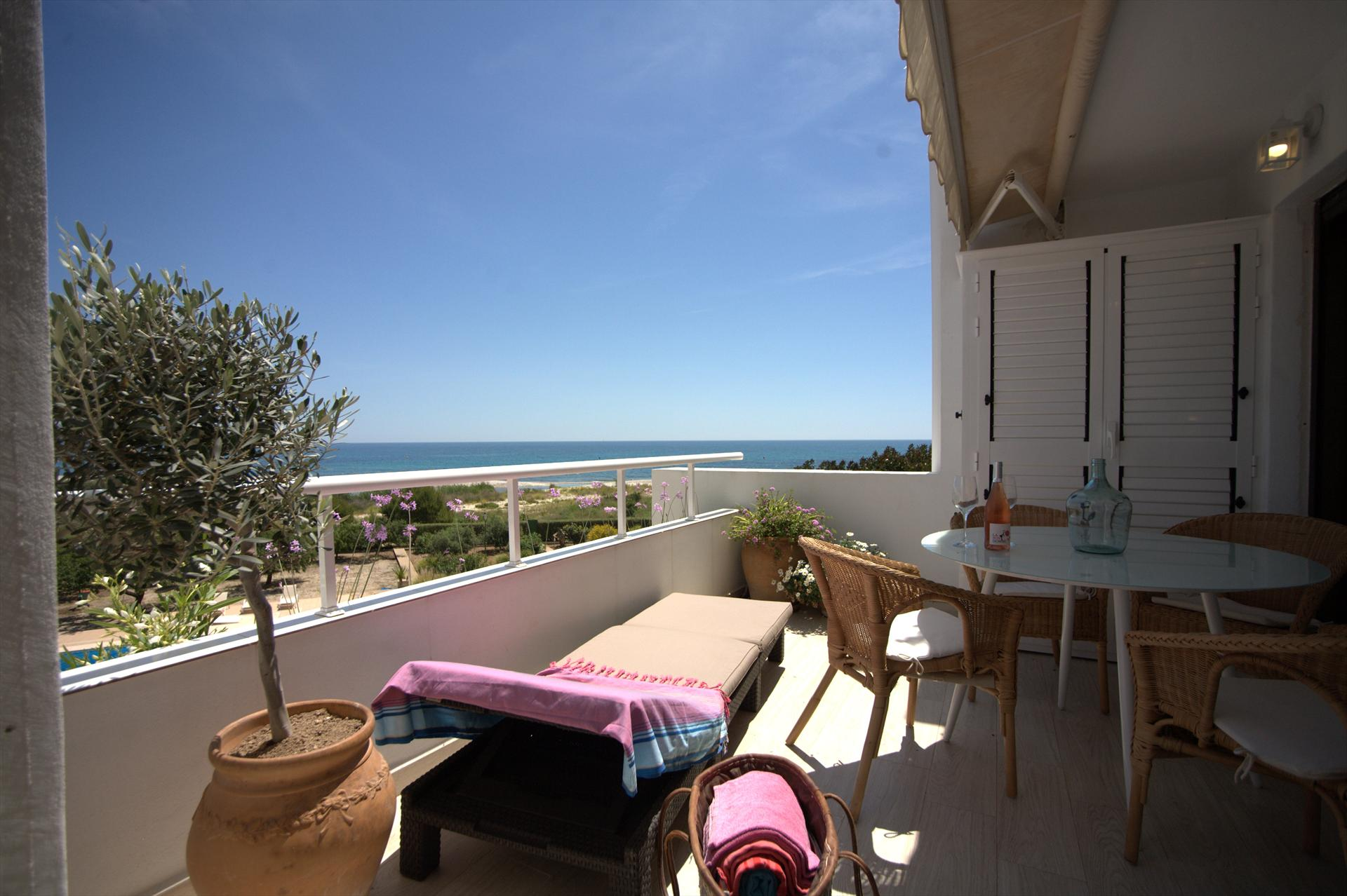 Bonhomme Beach Appartment, Lovely and comfortable apartment in Altea, on the Costa Blanca, Spain for 4 persons.....