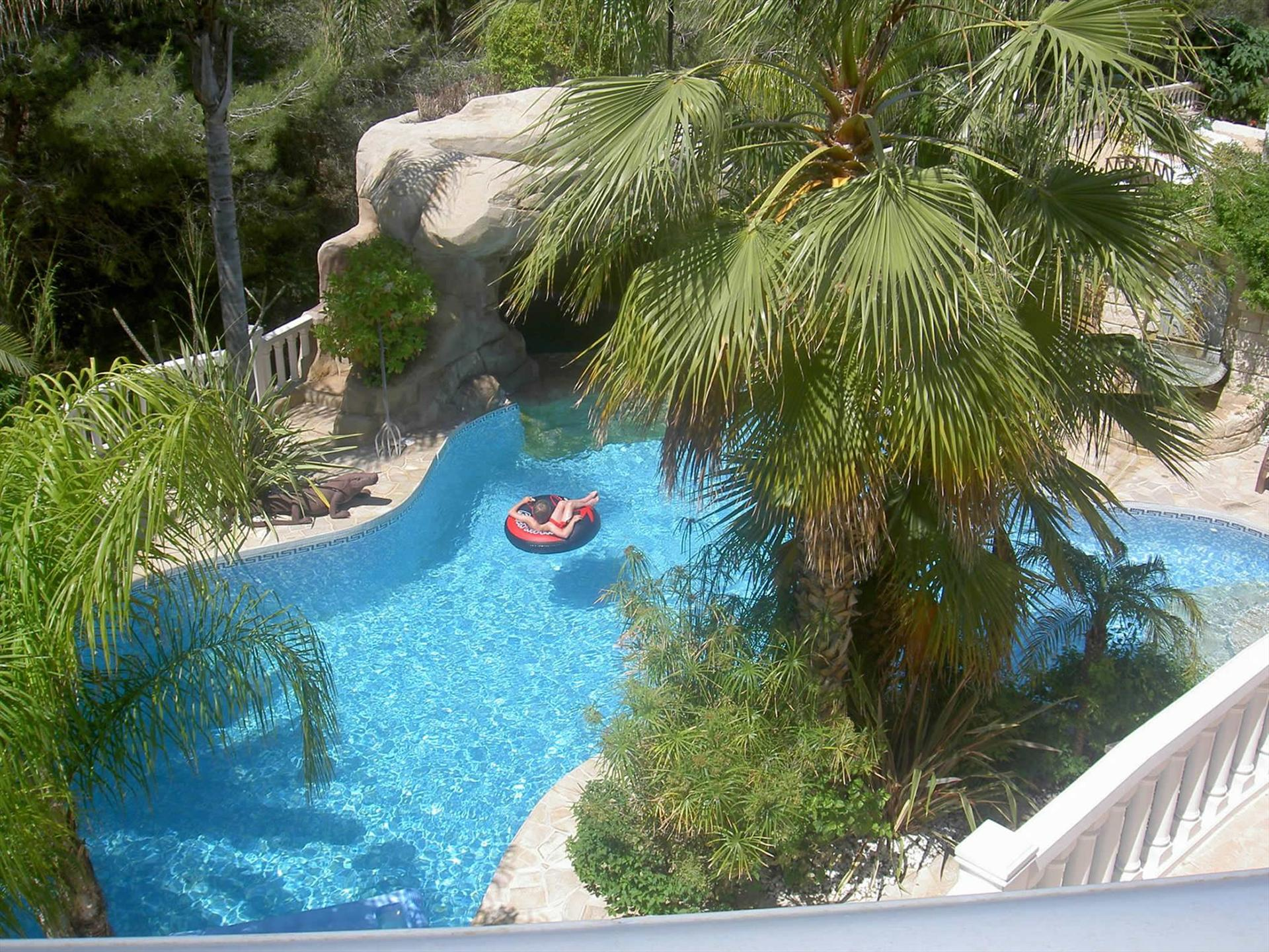 Albir Amarilla 6, Large and romantic villa  with private pool in Albir, on the Costa Blanca, Spain for 6 persons.....