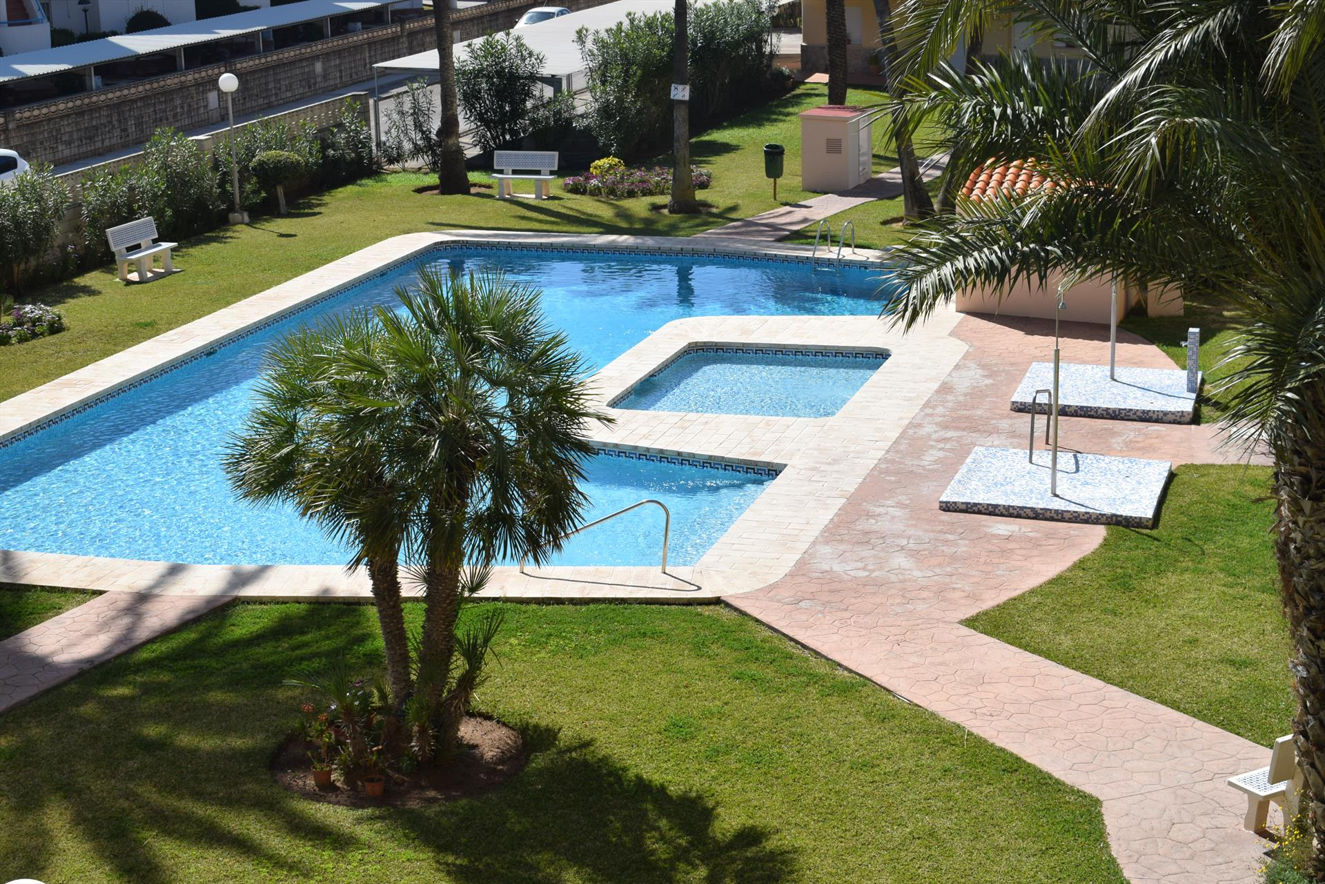 AP3209 Los Angeles Les Marines, Large and comfortable apartment  with communal pool in Denia, on the Costa Blanca, Spain for 7 persons.....