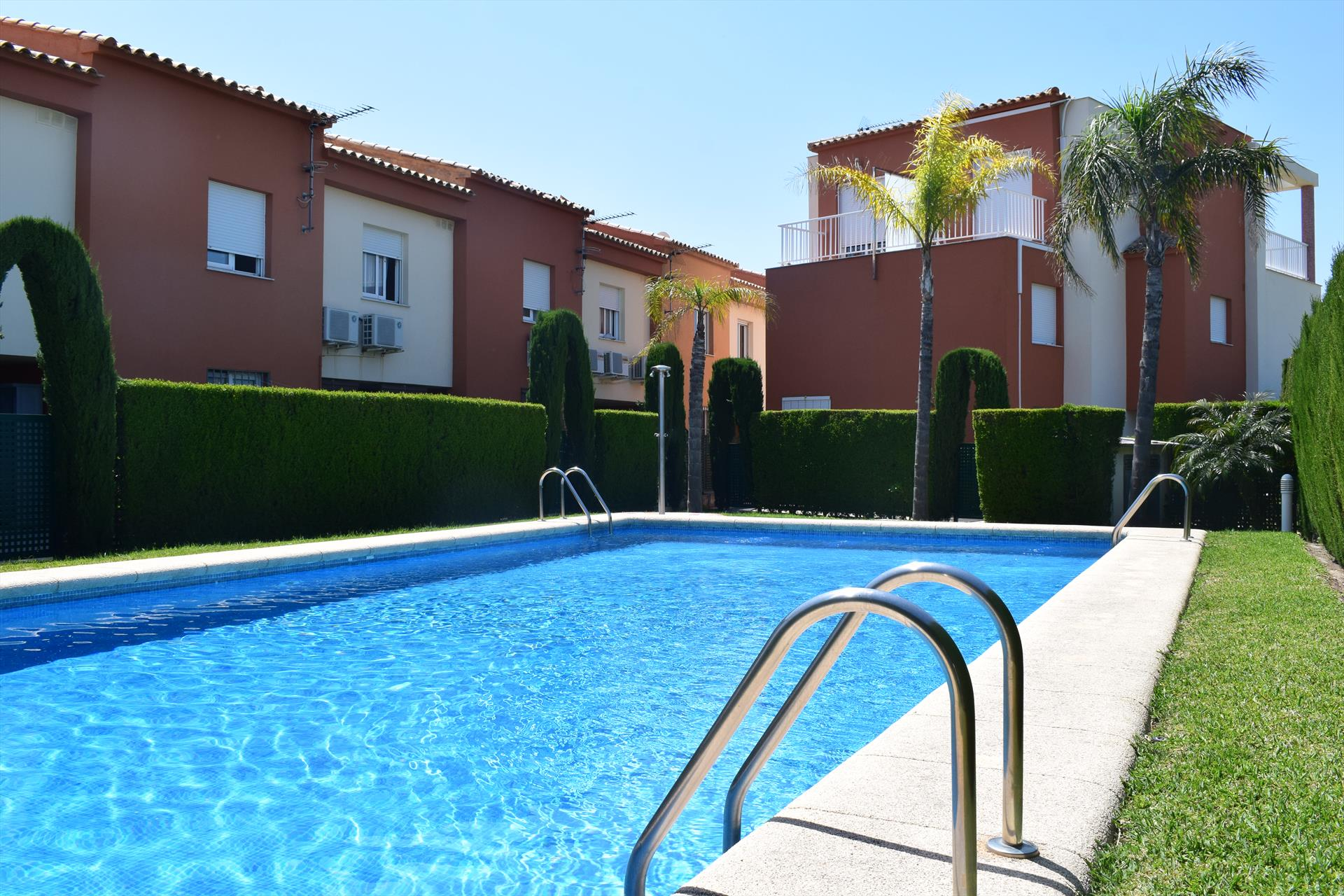 AD6232 Adosado Playa Aigua Blanca calle Font de Canyaes, Wonderful and nice house  with communal pool in Oliva, on the Costa Blanca, Spain for 6 persons.....