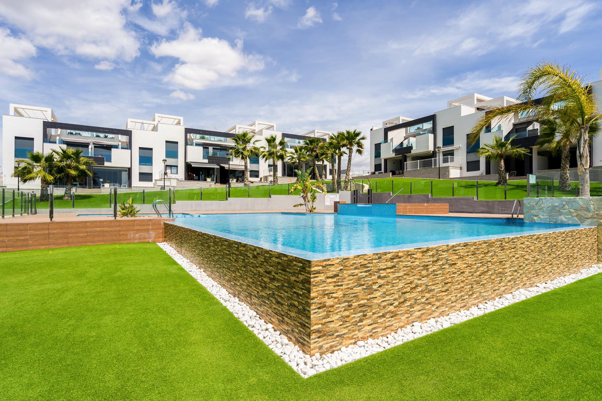 Plata,Modern apartment  with communal pool in Punta Prima, on the Costa Blanca, Spain for 4 persons.....