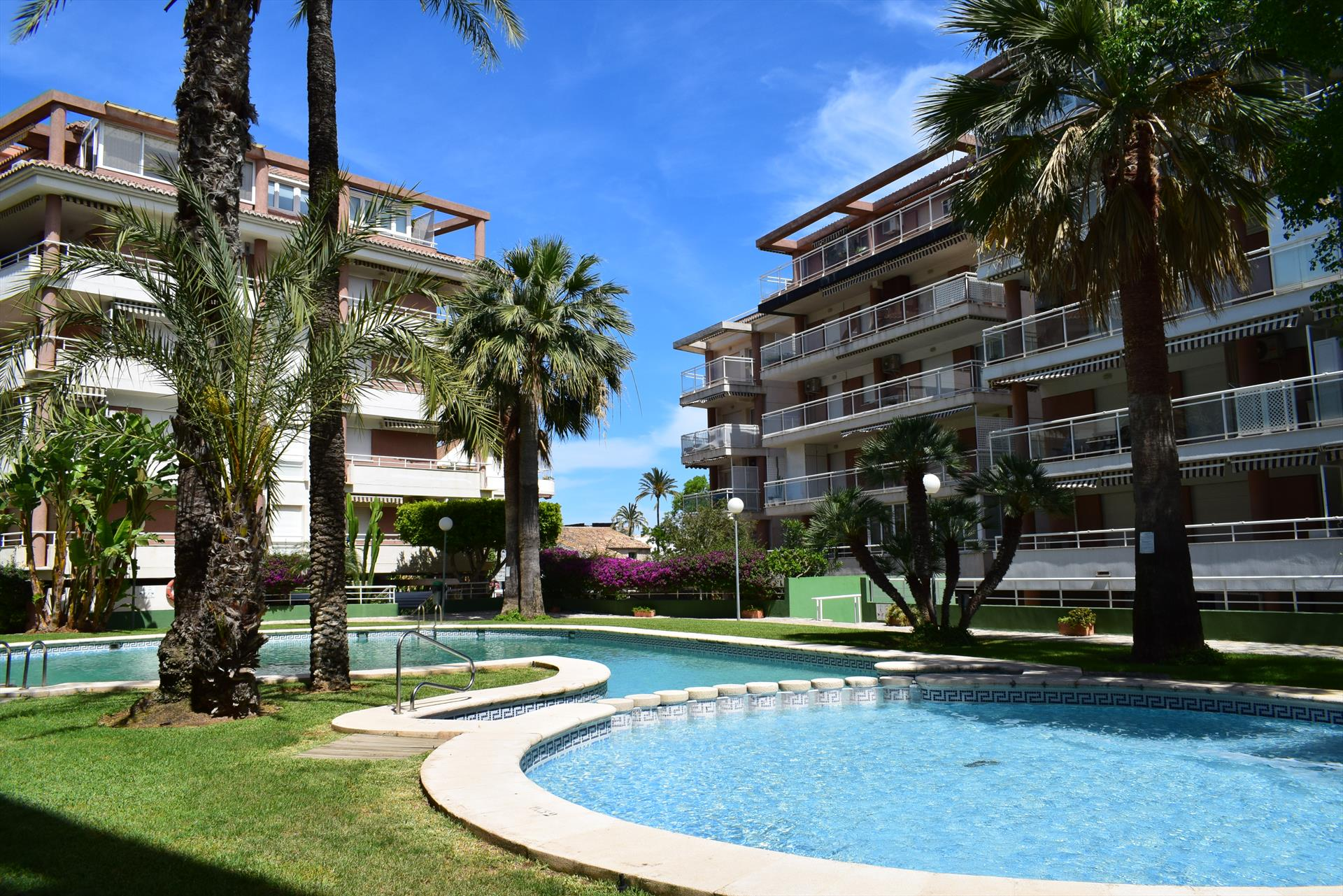 AP1112 Apartamento Urbanizacion Dianium, Classic and cheerful apartment in Denia, on the Costa Blanca, Spain  with communal pool for 4 persons.....